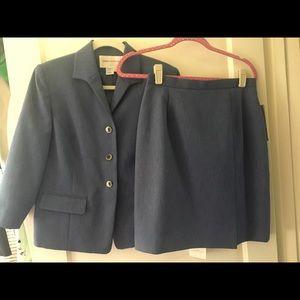NWT Jones New York Suit Jacket Skirt Set 10P Blue